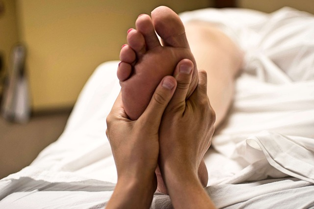 foot-massage-2277450_640